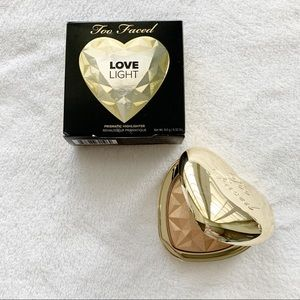 Too Faced Highlighter - you light up my life